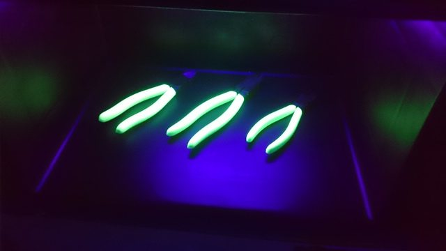 蓄光ニッパ(発光時)