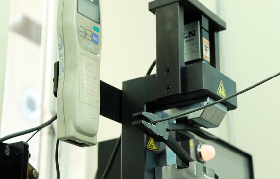 室本鉄工|ワイヤー強度検査装置